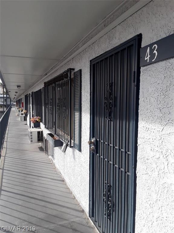 4600 Paradise #43, Las Vegas, NV 89169 (MLS #2070791) :: Sennes Squier Realty Group