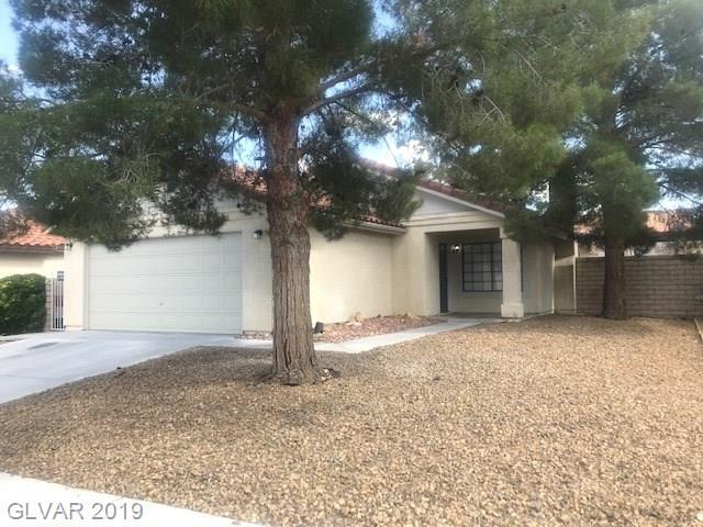 2471 Muirfield, Henderson, NV 89074 (MLS #2098105) :: The Snyder Group at Keller Williams Marketplace One