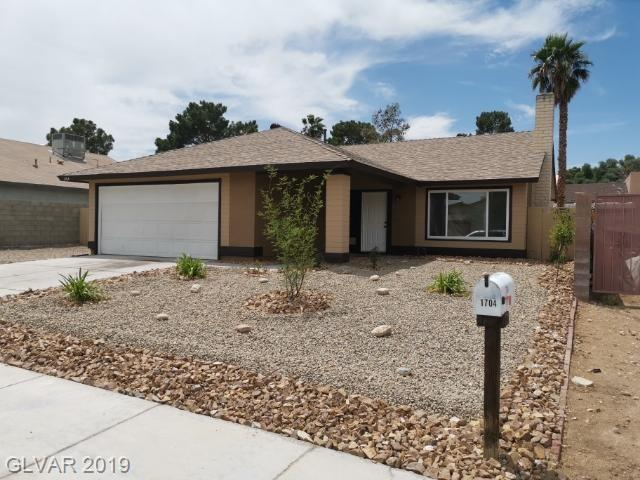 1704 Starbuck, Las Vegas, NV 89108 (MLS #2098442) :: Signature Real Estate Group