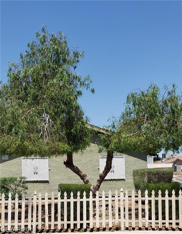 2532 Heather, North Las Vegas, NV 89030 (MLS #2100443) :: Signature Real Estate Group