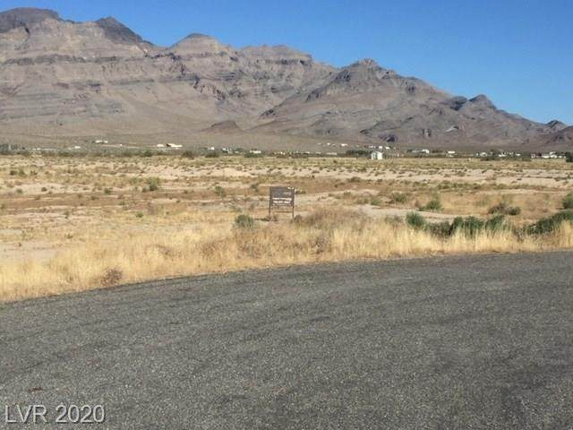 5730 N Harrison Place, Pahrump, NV 89060 (MLS #2146066) :: Signature Real Estate Group