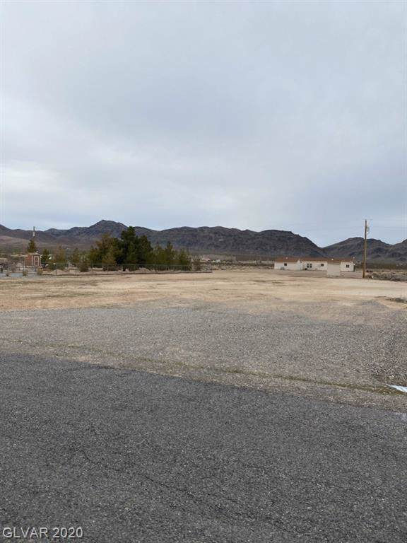 4920 W Windsong, Pahrump, NV 89048 (MLS #2167457) :: Performance Realty