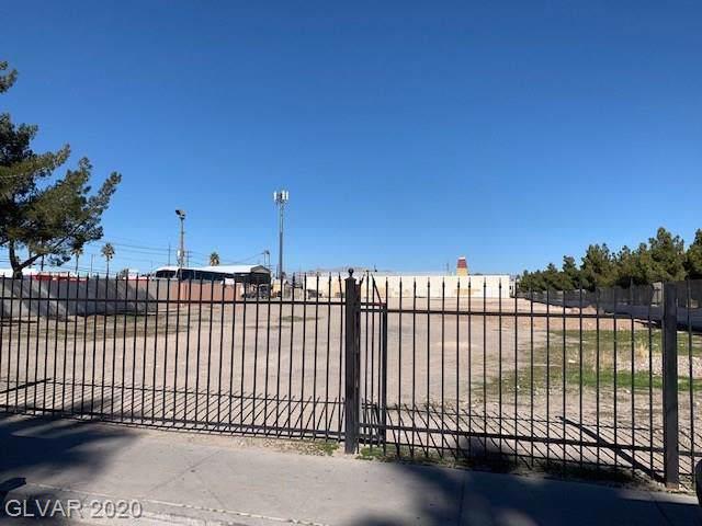 2601 Searles, Las Vegas, NV 89115 (MLS #2168294) :: Trish Nash Team
