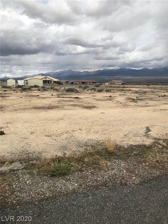 1140 Francine, Pahrump, NV 89061 (MLS #2183833) :: Performance Realty
