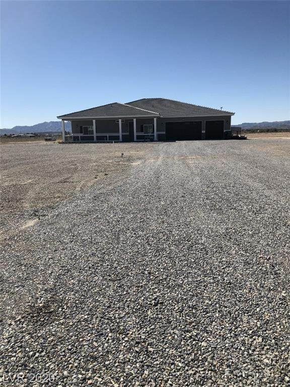 1310 Rockaway, Pahrump, NV 89048 (MLS #2188061) :: The Lindstrom Group