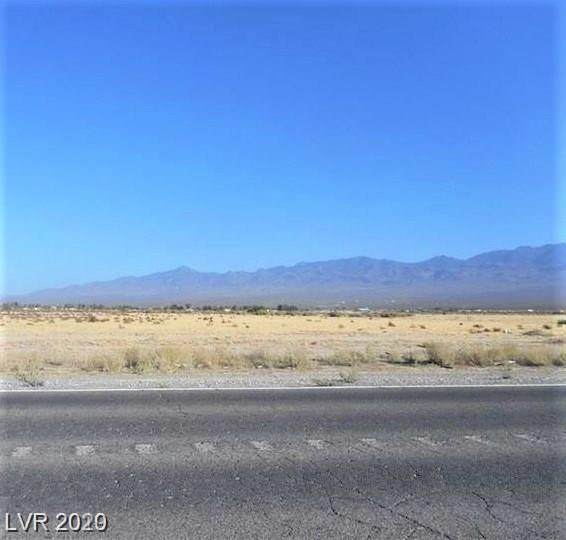 240 E Bell Vista Avenue, Pahrump, NV 89060 (MLS #2192301) :: The Shear Team