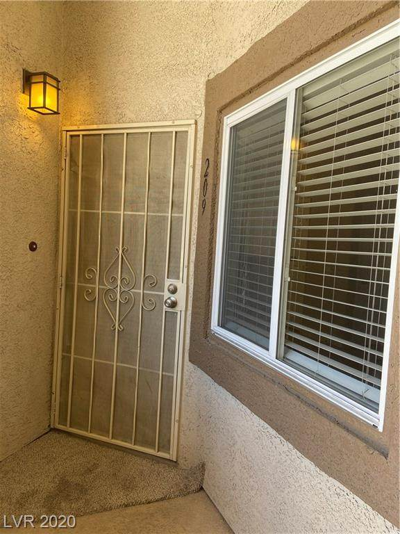 8725 Flamingo #209, Las Vegas, NV 89147 (MLS #2199702) :: Signature Real Estate Group