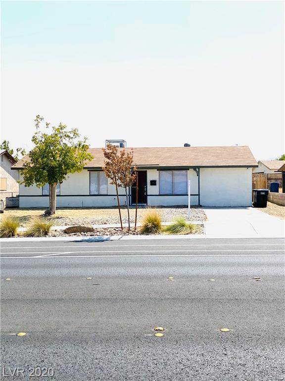 932 Center Street, Henderson, NV 89015 (MLS #2218448) :: Hebert Group | Realty One Group