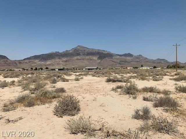 3820 N Barney Street, Pahrump, NV 89060 (MLS #2223630) :: The Perna Group