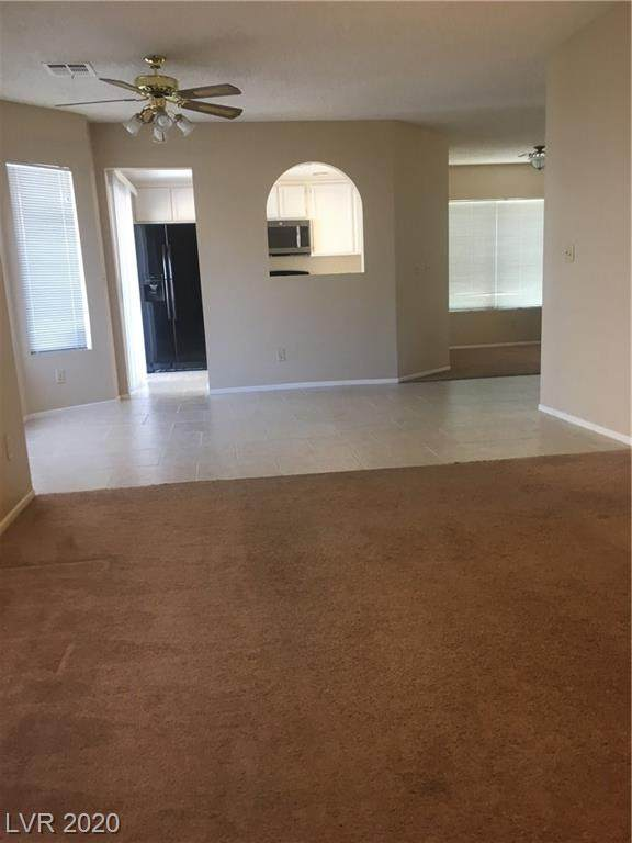 994 Painted Pony Drive, Henderson, NV 89014 (MLS #2231030) :: Kypreos Team