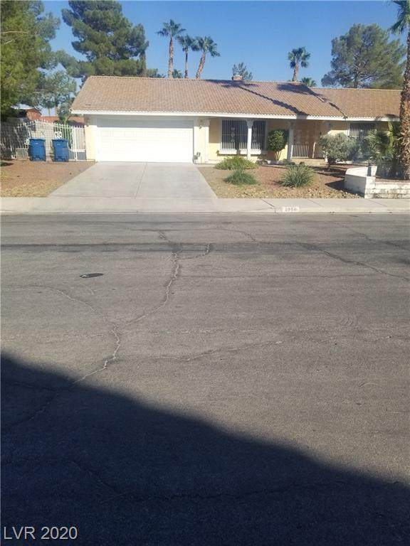 3360 Paso Andres Street, Las Vegas, NV 89146 (MLS #2231056) :: Helen Riley Group | Simply Vegas