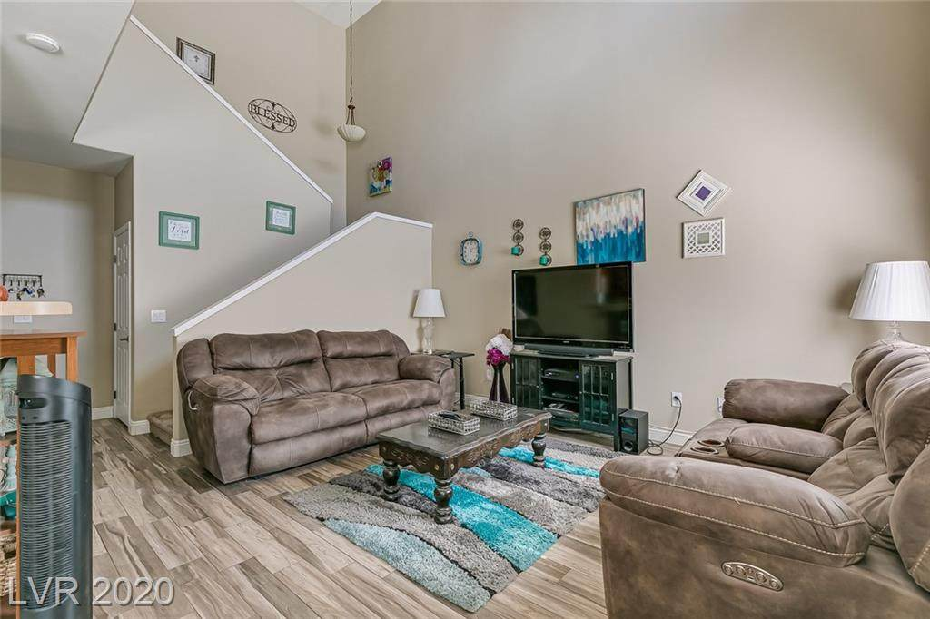 10523 Gold Shadow Avenue - Photo 1