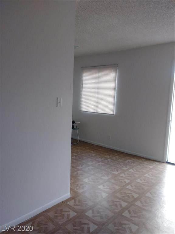 2506 Crawford Street, North Las Vegas, NV 89030 (MLS #2240642) :: Billy OKeefe   Berkshire Hathaway HomeServices