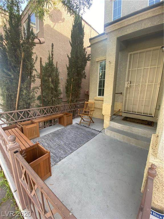 6655 Hurkling Stone Avenue, Las Vegas, NV 89139 (MLS #2242184) :: Billy OKeefe | Berkshire Hathaway HomeServices