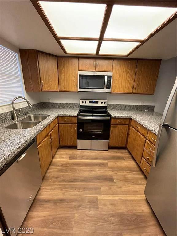 3823 Maryland Parkway W8, Las Vegas, NV 89119 (MLS #2256898) :: Billy OKeefe | Berkshire Hathaway HomeServices