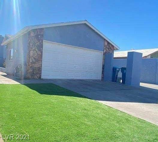 6017 Natures Drive, Las Vegas, NV 89122 (MLS #2271255) :: Billy OKeefe | Berkshire Hathaway HomeServices