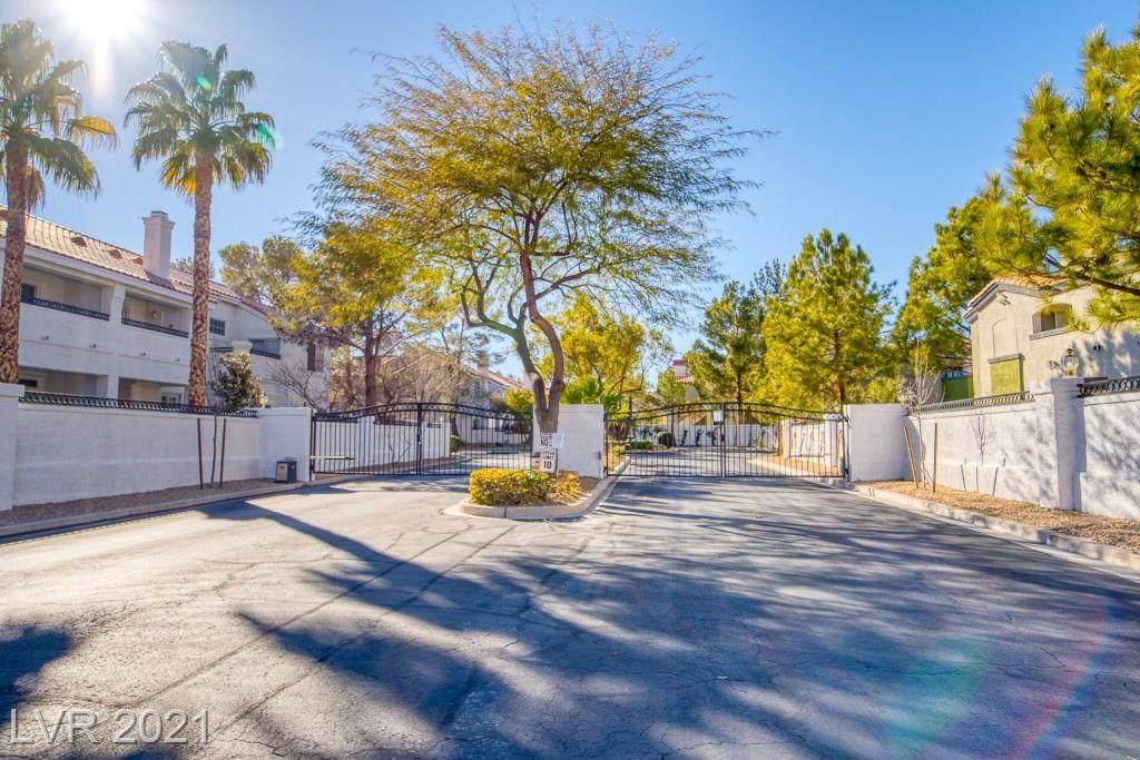 5201 Torrey Pines Drive - Photo 1