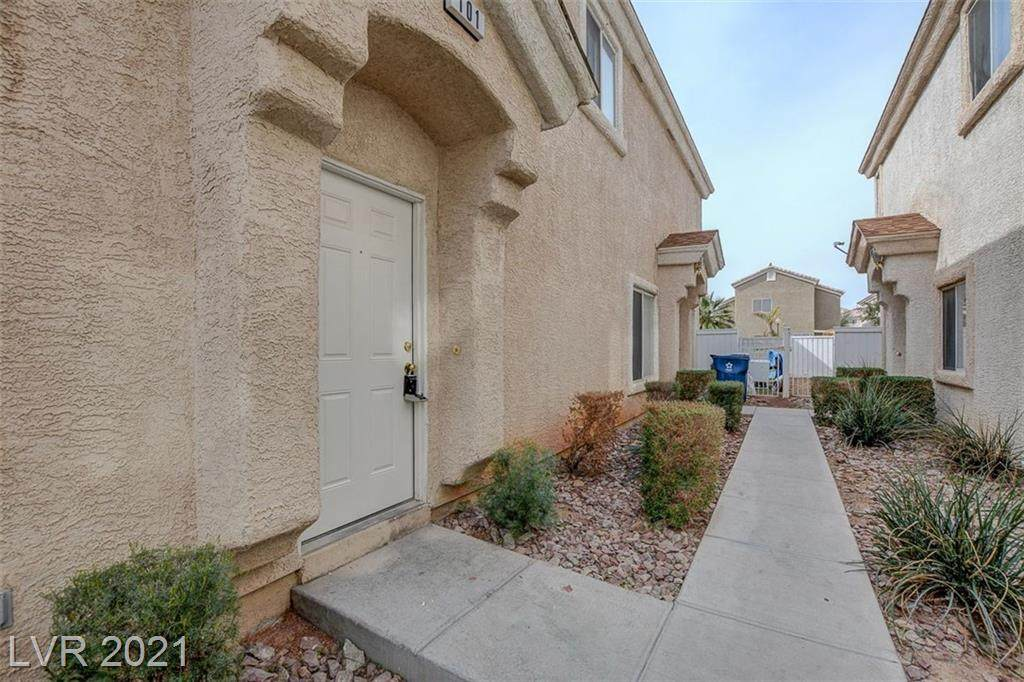 5989 Trickling Descent Street - Photo 1