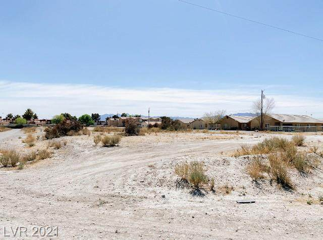 1040 Ogden Avenue, Pahrump, NV 89048 (MLS #2285873) :: Signature Real Estate Group