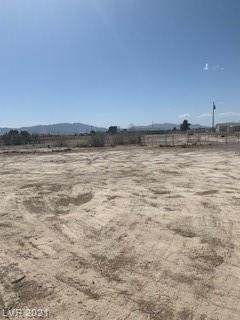 3750 S National Avenue, Pahrump, NV 89048 (MLS #2287057) :: The Shear Team