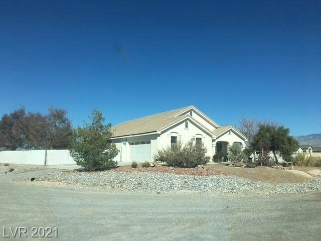2560 S Mount Charleston Drive, Pahrump, NV 89048 (MLS #2291766) :: Signature Real Estate Group