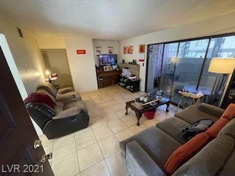 4360 Sanderling Circle #63, Las Vegas, NV 89103 (MLS #2294512) :: Jeffrey Sabel