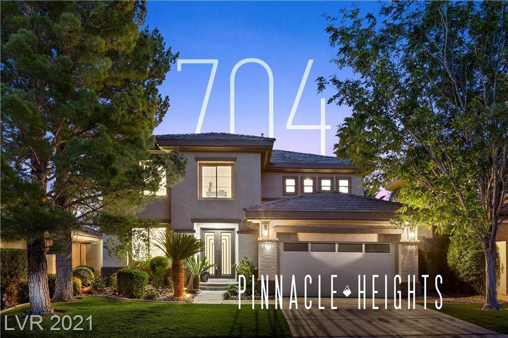 704 Pinnacle Heights Lane - Photo 1