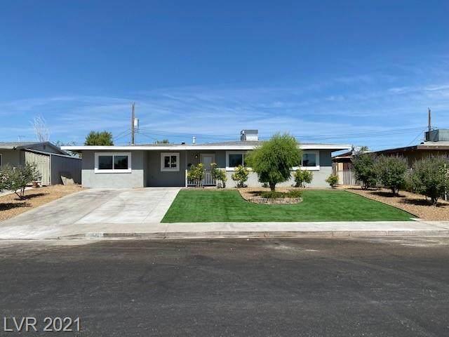 1001 Baker Avenue, Las Vegas, NV 89108 (MLS #2305536) :: Lindstrom Radcliffe Group
