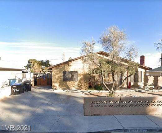 1300 W Monroe Avenue, Las Vegas, NV 89106 (MLS #2311472) :: Lindstrom Radcliffe Group