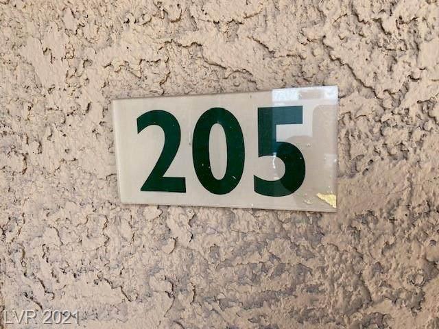 5220 Mission Carmel Lane #205, Las Vegas, NV 89107 (MLS #2317459) :: DT Real Estate