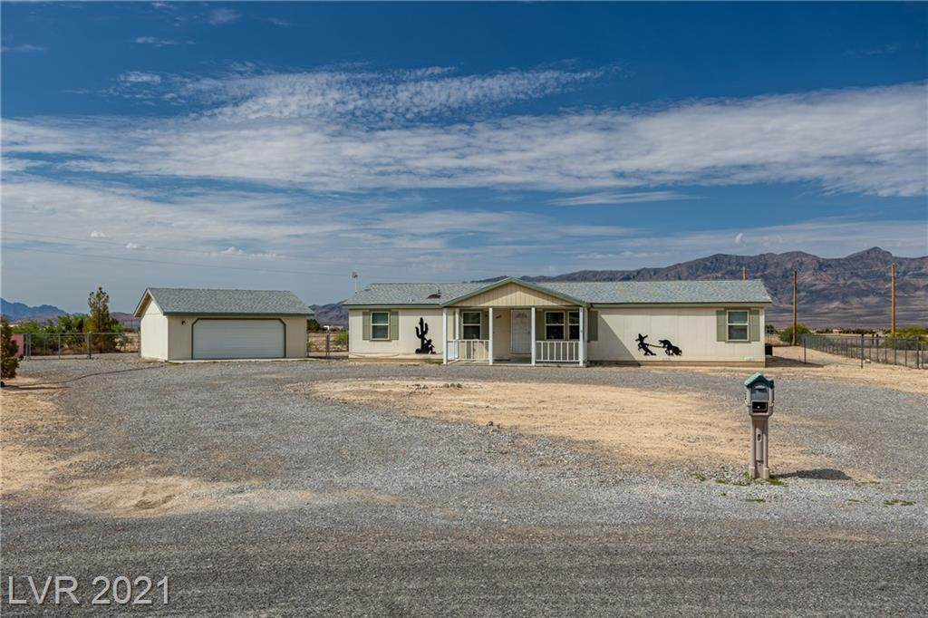 2821 Desert Hills Circle - Photo 1