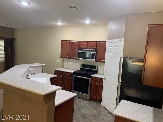 1172 Volcanic Garden Court #103, Las Vegas, NV 89183 (MLS #2319618) :: The Perna Group