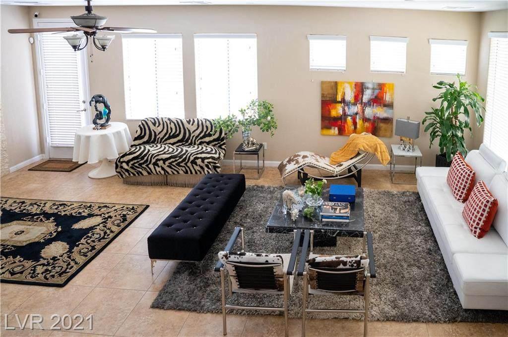 8122 Retriever Avenue - Photo 1