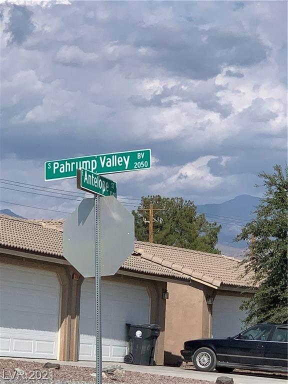 2211 Maverick Avenue, Pahrump, NV 89048 (MLS #2323159) :: Signature Real Estate Group