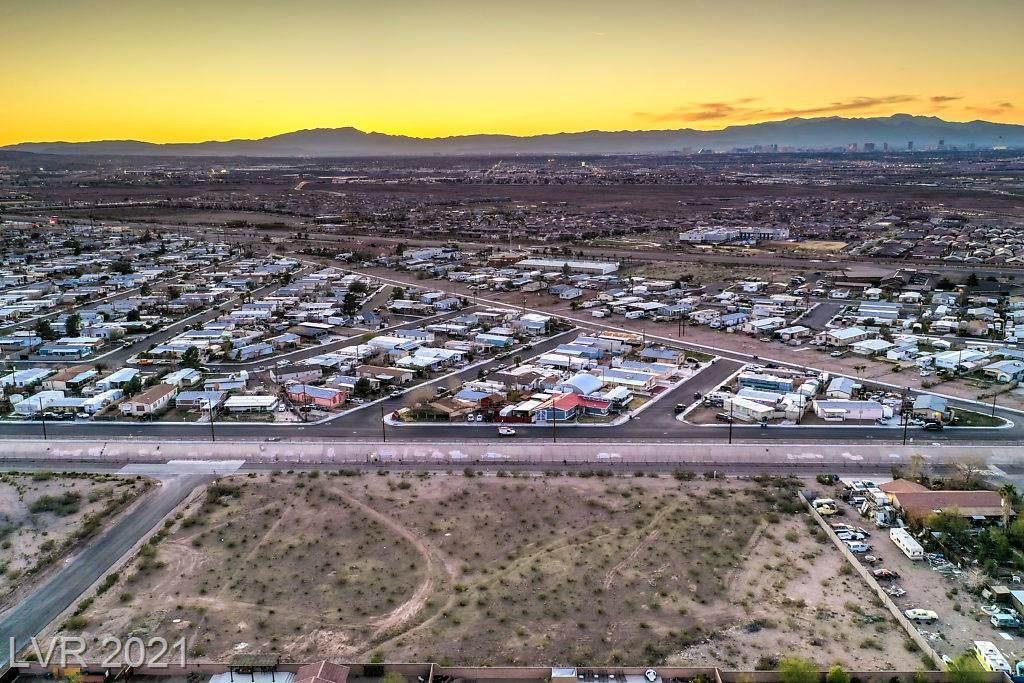 1 Pueblo - Photo 1