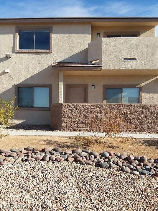 2050 Los Feliz Street #132, Las Vegas, NV 89156 (MLS #2331176) :: Lindstrom Radcliffe Group