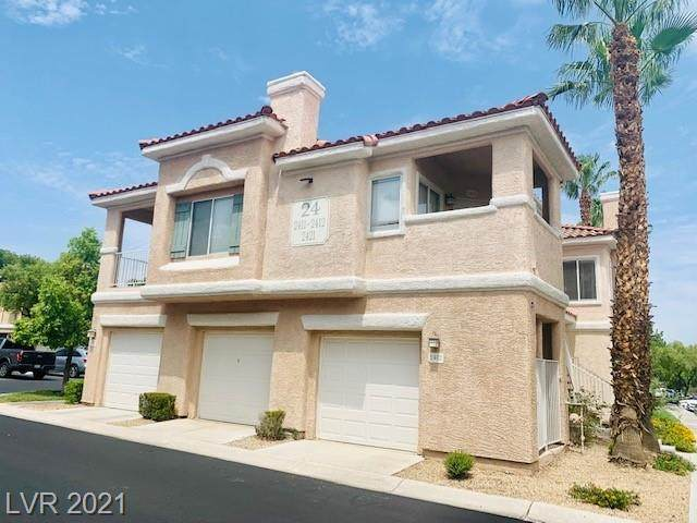 251 S Green Valley Parkway #2421, Henderson, NV 89012 (MLS #2333499) :: The Melvin Team