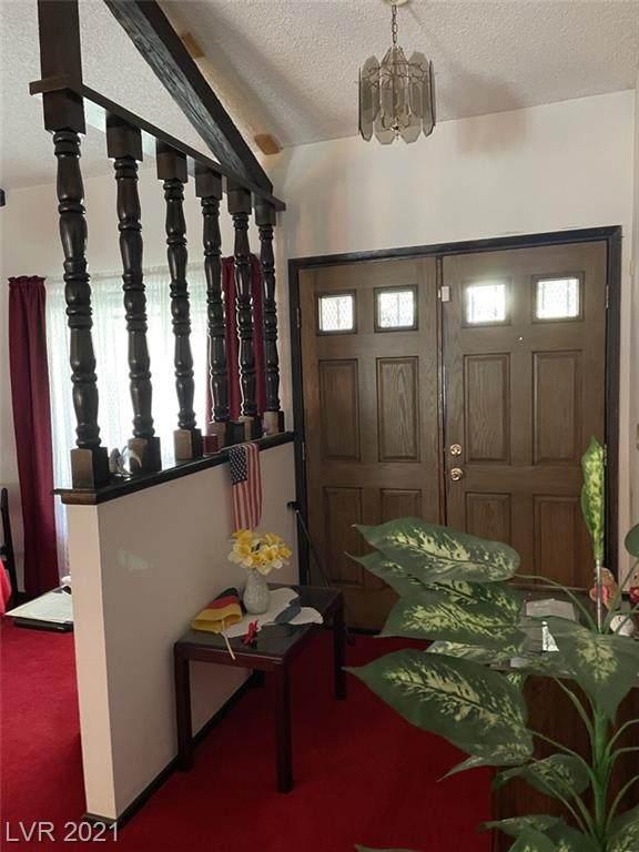 3121 W Oakey Boulevard, Las Vegas, NV 89102 (MLS #2334083) :: DT Real Estate