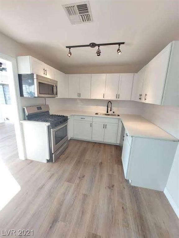 437 Republic Street, Henderson, NV 89015 (MLS #2335626) :: Custom Fit Real Estate Group