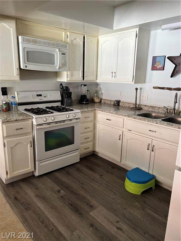 6685 W Tropicana Avenue #201, Las Vegas, NV 89103 (MLS #2343108) :: The Chris Binney Group | eXp Realty