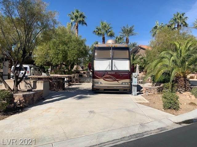 8175 Arville Street #136, Las Vegas, NV 89139 (MLS #2343613) :: Keller Williams Realty
