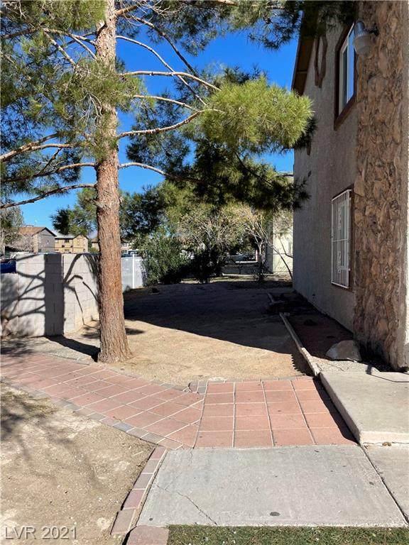 1824 Fulstone Way, Las Vegas, NV 89115 (MLS #2343683) :: The TR Team