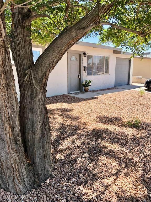2724 Webster Street, North Las Vegas, NV 89030 (MLS #2219700) :: Hebert Group   Realty One Group