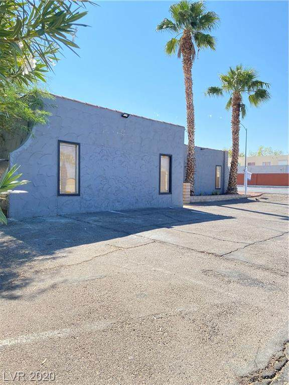 3390 Sandhill Road, Las Vegas, NV 89121 (MLS #2237365) :: The Lindstrom Group