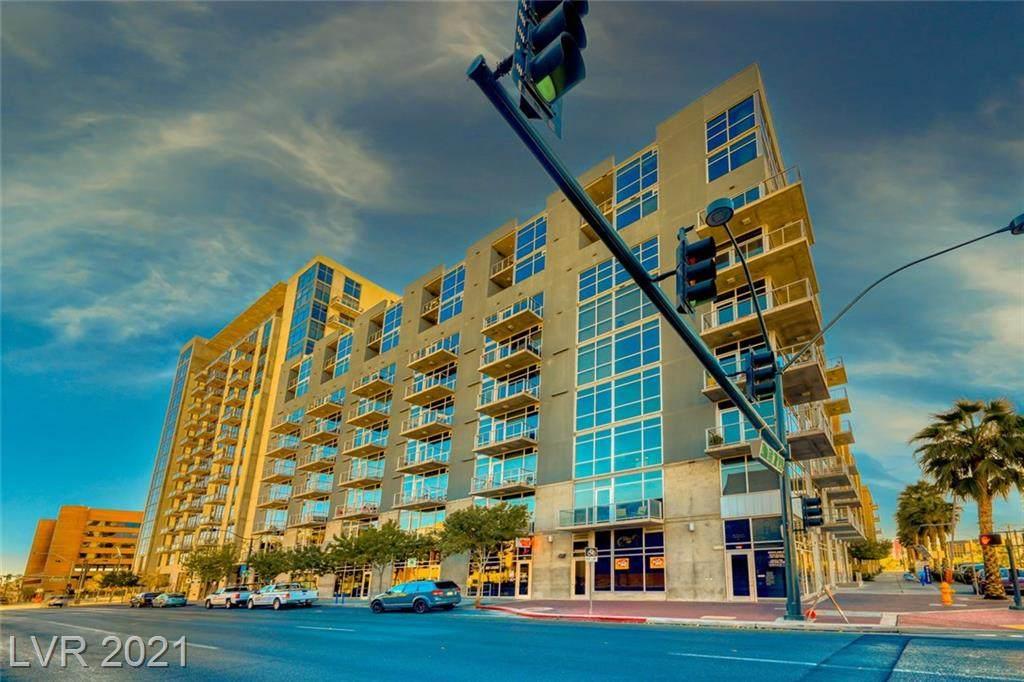353 Bonneville Avenue - Photo 1