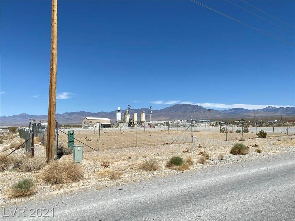 2090 Basin Avenue - Photo 1