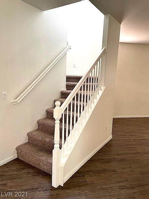 2820 Trossachs Street, Henderson, NV 89044 (MLS #2300666) :: Signature Real Estate Group