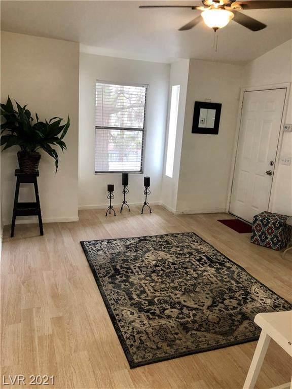 3682 Melonies Drive #3, Las Vegas, NV 89103 (MLS #2305959) :: DT Real Estate