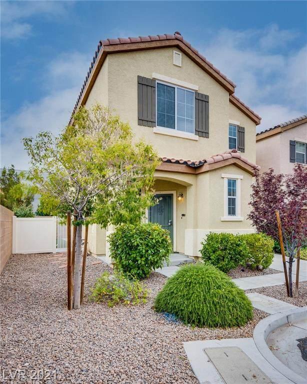7015 Oberling Bay Avenue, Las Vegas, NV 89113 (MLS #2308245) :: Lindstrom Radcliffe Group