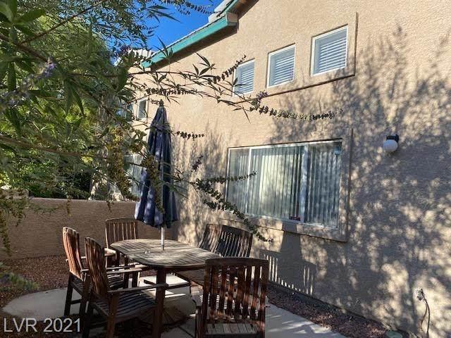 5270 Souvenir Lane, Las Vegas, NV 89118 (MLS #2328207) :: Signature Real Estate Group